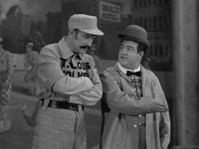 abbott-and-costello-naughty-nineties-1945